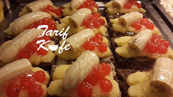Kremalı Jöleli Meyveli Kek Dilimi